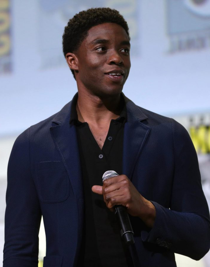 Chadwick Boseman died with his wife and family 通过 his side. He had known about his diagnosis for four years.